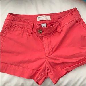 GAP Favorite Khaki Short Size 2